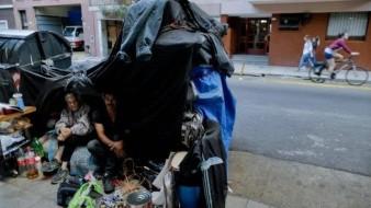 Familias sin techo en Buenos Aires aumentan, otro signo de la crisis