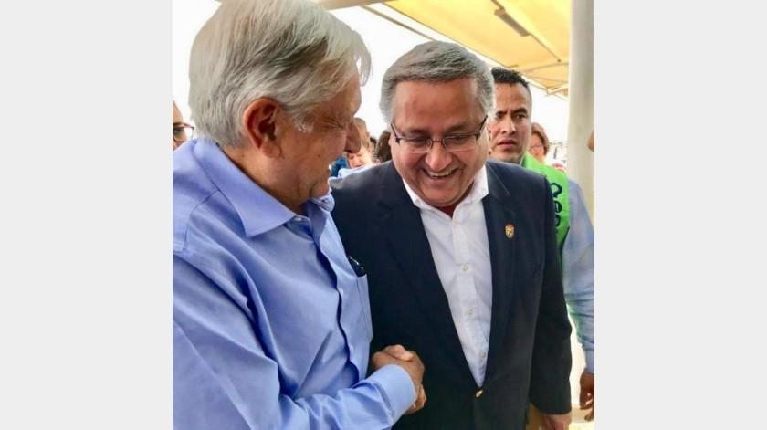 Entrega Gustavo Sánchez a AMLO plan de acciones prioritarias para Mexicali