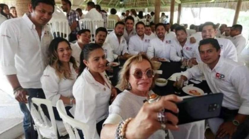 Reaparece Elba Esther Gordillo en asamblea de nuevo partido político