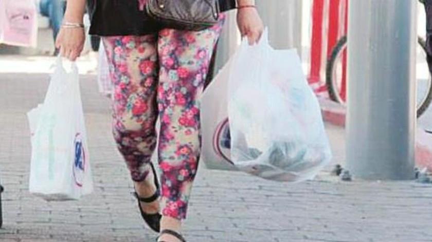 Prohíben bolsas de plástico y popotes en comercios de Mexicali