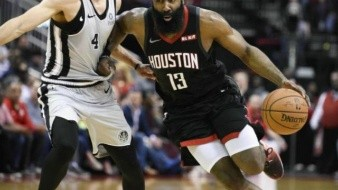 Otra explosión de James Harden a Rockets