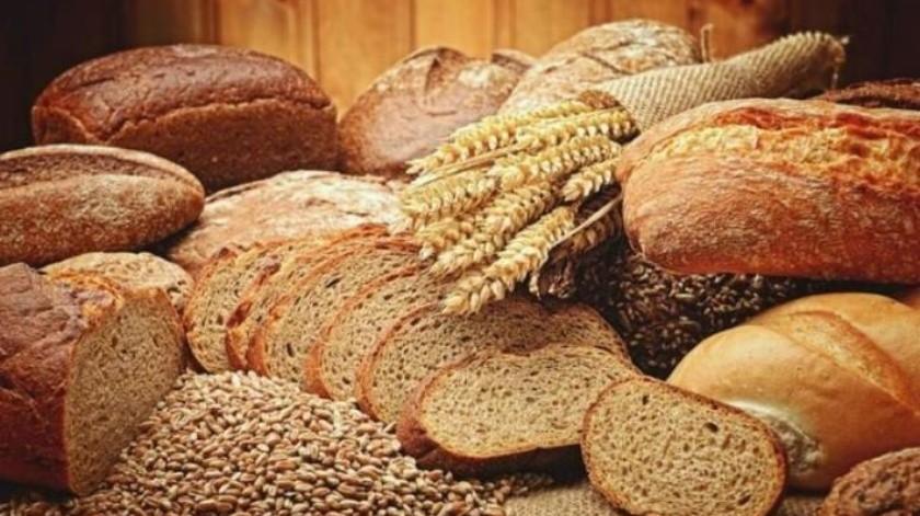 ¿Realmente es más saludable comer pan integral que pan blanco?