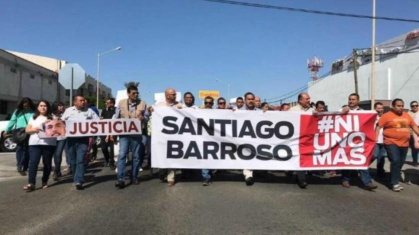 Marchan en SLRC por muerte del periodista Santiago Barroso