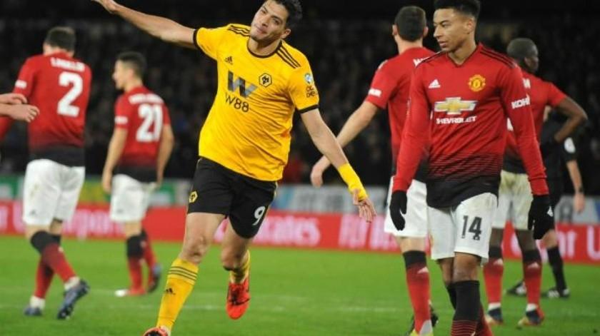VIDEO: Giro y golazo de Raúl Jiménez; Wolves elimina al Manchester de la FA Cup