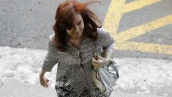 Procesan a Cristina Fernández por ocultar documentos en Argentina