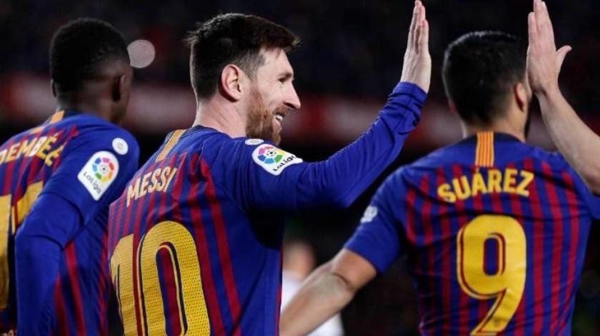 Barcelona tunde a Hugo Sánchez: vence al Rayo, ex equipo del ''Macho''; Messi supera a Iniesta