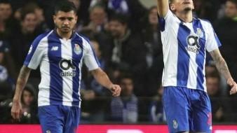 VIDEO: Se luce ''Tecatito'' contra Roma; fans de Porto lo homenajean desde la grada