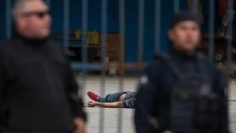Hombre fue abatido por Agentes de la Policía de Tijuana tras de asesinar a otro en autolavado