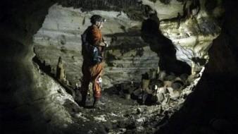 Hallan en Chichen Itzá cueva con 200 recipientes
