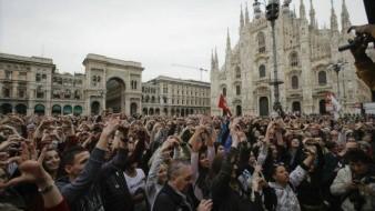 Miles de personas en Milán se oponen al racismo; protagonizan marcha