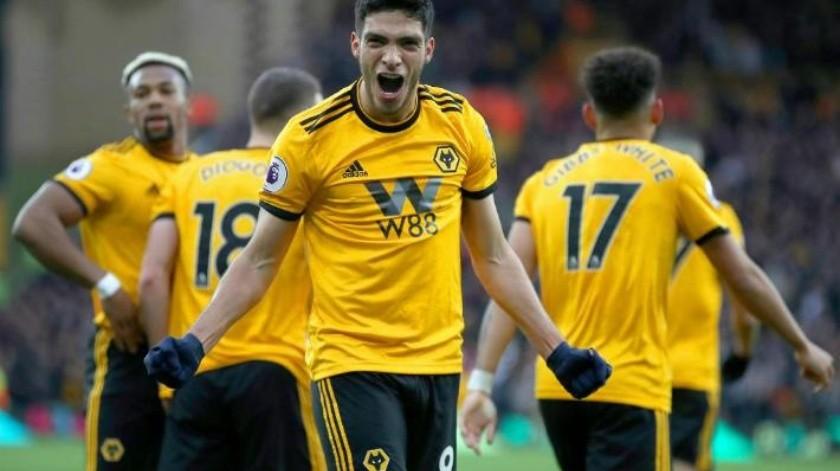 Asiste y llega a 11 goles, Raúl Jiménez inspirado en victoria del Wolverhampton