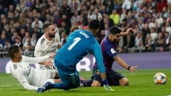 FOTO: Publica Varane cruda imagen de su rodilla tras chocar en autogol vs Barcelona