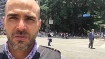 Denuncian desaparición de reportero de Telemundo en Caracas; funcionarios lo tuvieron incomunicado por 8 horas