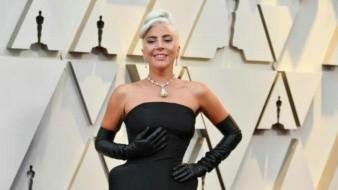 Usó Lady Gaga en los Óscar collar de 30 mdd que portó Audrey Hepburn