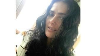 Se ejercita Salma Hayek a ritmo de vallenato