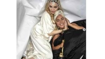 Olvida Madonna rencillas con Lady Gaga y celebra su Óscar