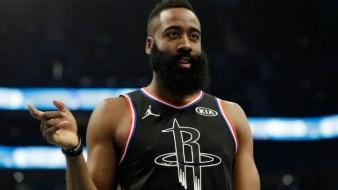 Impone NBA multa James Harden por críticas al arbitraje
