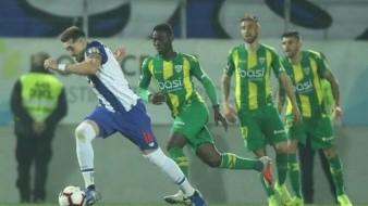 VIDEO: ¡Bellísimo!, Héctor Herrera imita a ''Chicharito'' con gol de ''autopase'' para el Porto