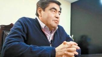 Miguel Barbosa va por gubernatura de Puebla; se registra como precandidato