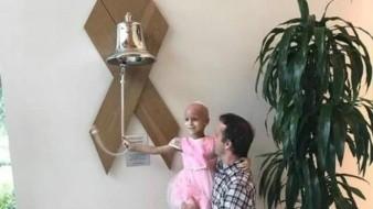 VIDEO: Vestida de princesa, pequeña de 5 años toca la campana para celebrar que venció al cáncer