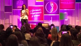 Paola Rojas ofrece en Tijuana conferencia sobre la situación de la mujer