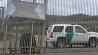 Siguen los cruces ilegales en el muro fronterizo