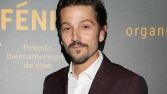 Se une Diego Luna a lista de presentadores en los premios Óscar