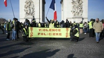 El gas lacrimógeno como herramienta para disipar protestas en París