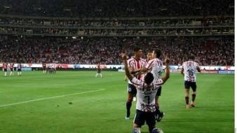 Chivas golean al Atlas en el Clásico Tapatío