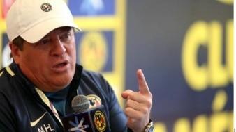 ''Equipo chico'', Miguel Herrera cuestiona mentalidad de Pumas vs América