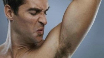 Descubre cómo eliminar el olor de las axilas con tratamientos sencillos