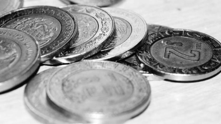 Peso cae tras anuncio de plan para apoyar a Pemex y fortalecimiento global del dólar