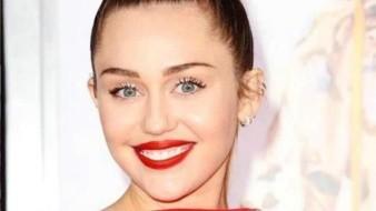 Con atrevida indirecta a Liam Hemsworth, Miley Cyrus celebra San Valentín