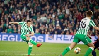 VIDEO: Con gol olímpico y sin Lainez, Betis empata vs Valencia en semifinal de ida