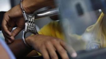 Sujeto abusa sexualmente de un menor en un taller