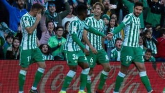Con gol de Canales, Real Betis derrota al Atlético del Madrid
