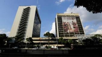 Cliente crucial de petróleo venezolano en EU dice que ha dejado de importar crudo del país