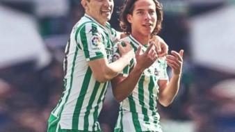VIDEO: Enfrenta Guardado a rival y defiende a Diego Lainez; Betis pasa a semifinales