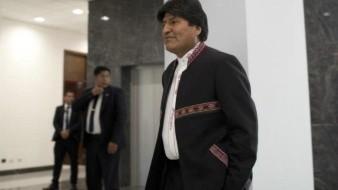 Bolivarianos acuden a elecciones primarias impulsadas por Evo Morales