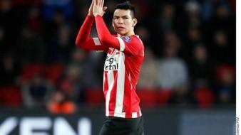 ''No se ve bien'', DT del PSV sobre ''Chucky'' Lozano tras choque de cabezas