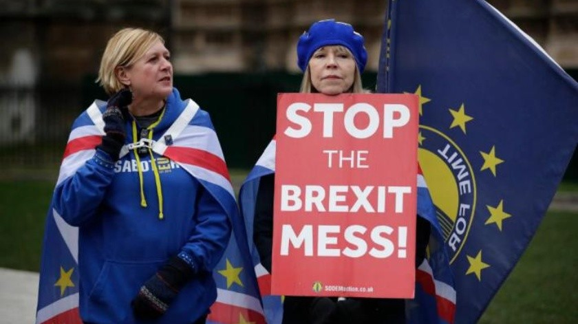 Theresa  May presenta plan B para Brexit con pocos indicios de avance