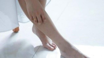 Remedios naturales para deshacerte de los hongos en los pies