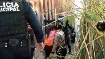 Salvan policías en San Luis Río Colorado de morir ahogada a familia hondureña
