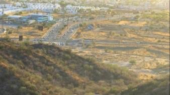 Intentan bomberos rescatar a menor de edad en Cerro del Bachoco; sufre lesión