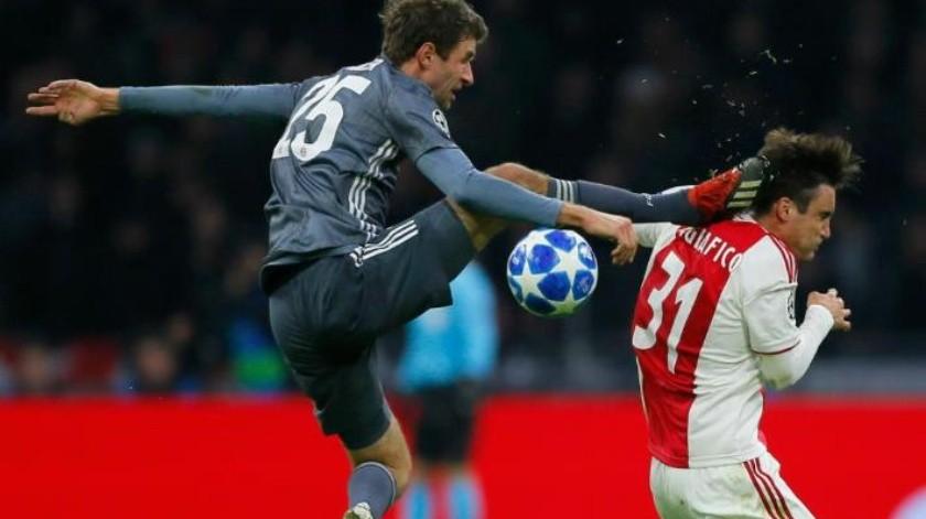 Thomas Mueller es suspendido por tremenda patada; no jugará los octavos de la Liga de Campeones