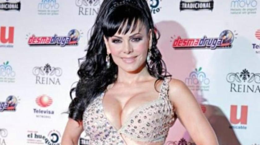 Maribel Guardia impacta con esta foto sexy en bikini