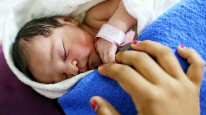 Cinco bebés pausan fiestas para nacer en Año Nuevo