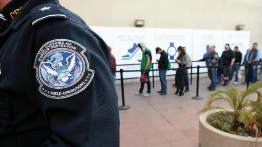 Agente de CBP arrestado por estrangular a viajero en SY