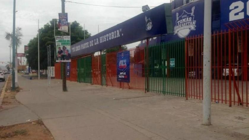 Buscan reactivar estadio de beisbol