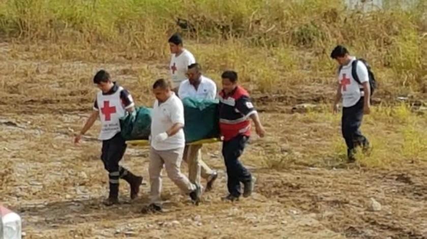 Hallan cuerpo de persona arrastrada por arroyo en Caborca
